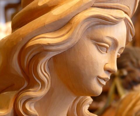Rzeźba madonny