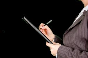 pisanie kobieta garsonka