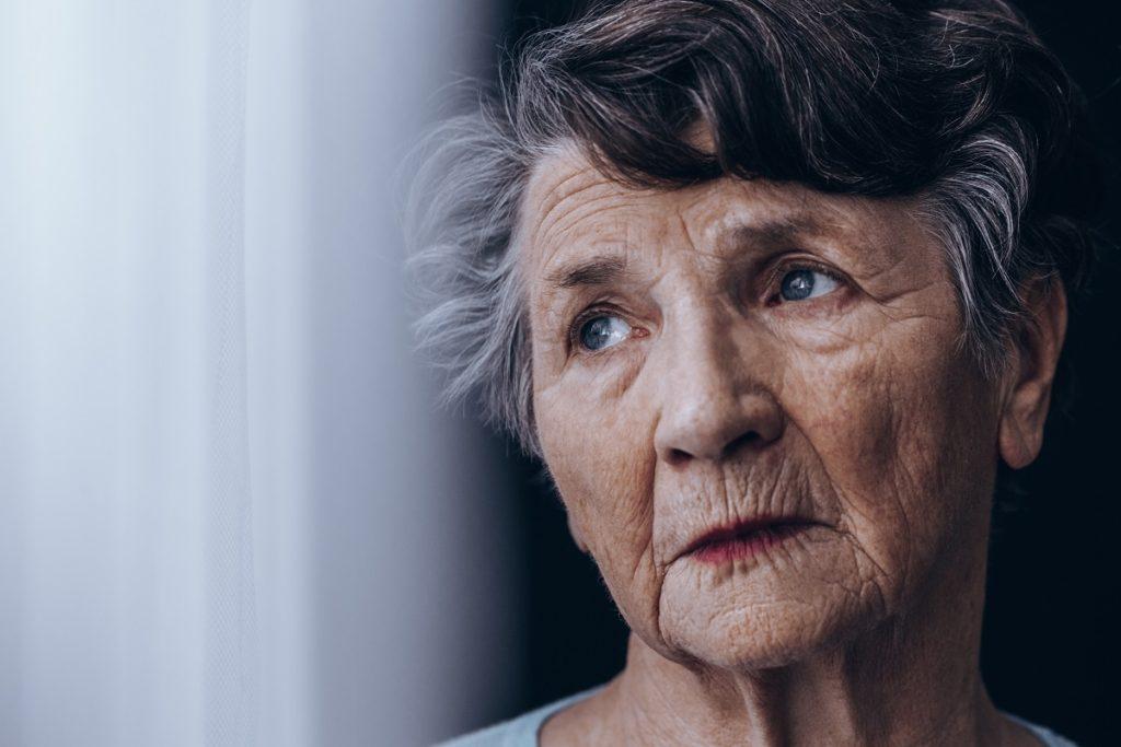 rodzaje zaćmy - starsza kobieta